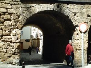 Resultado de imagen de Patio Medieval del barrio del Pópulo