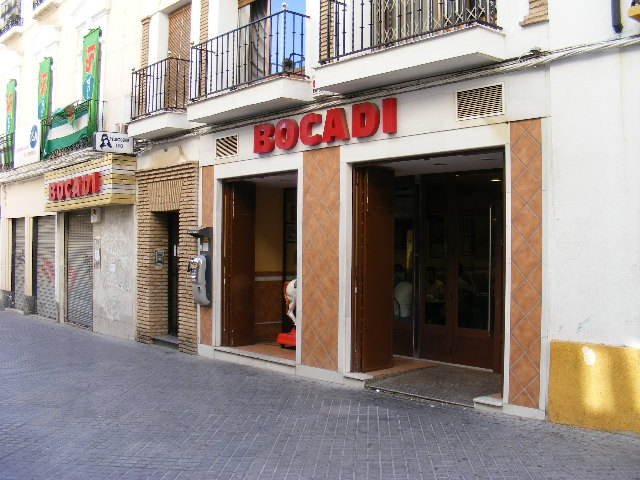 Archivo:Bar Bocadi.JPG