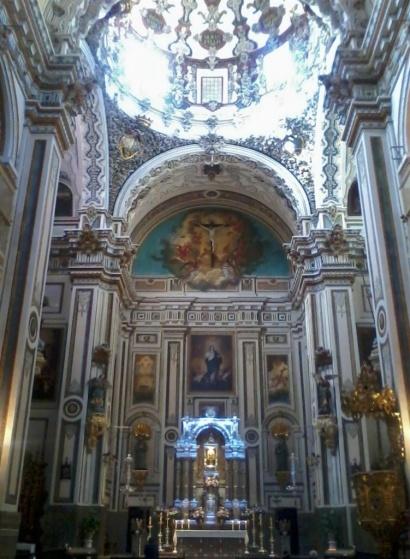 Archivo:Presbiterio igl. San Antón Granada.jpg
