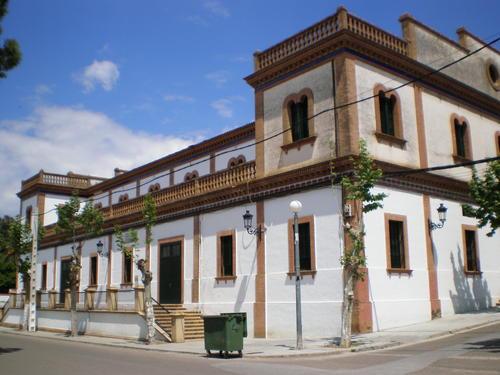 De turismo por tu municipio teatro cine san fernando villanueva del r o y minas - El escondite calle villanueva ...