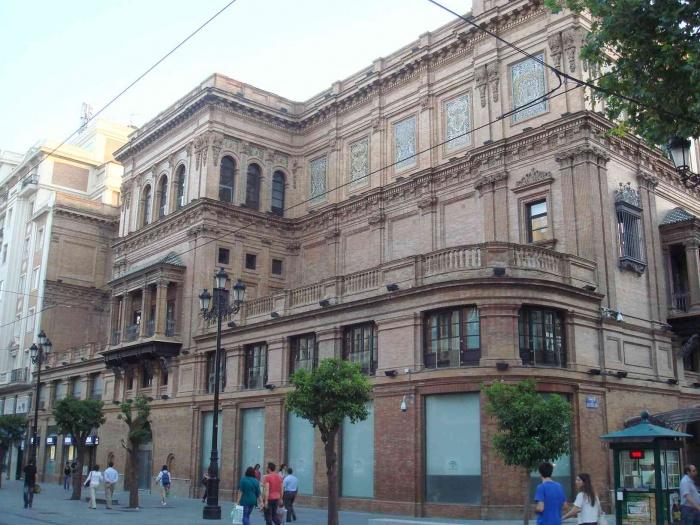 Edificio Coliseo, avenida Constitución
