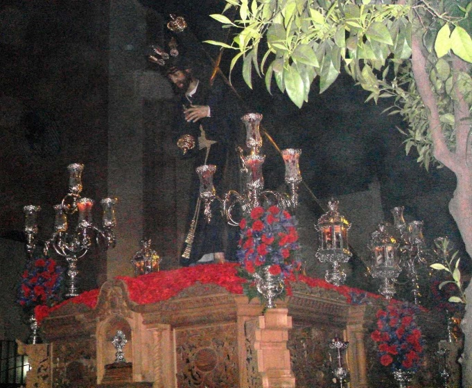 Archivo:Paso de Salud y Clemencia (Padre Pío).jpg