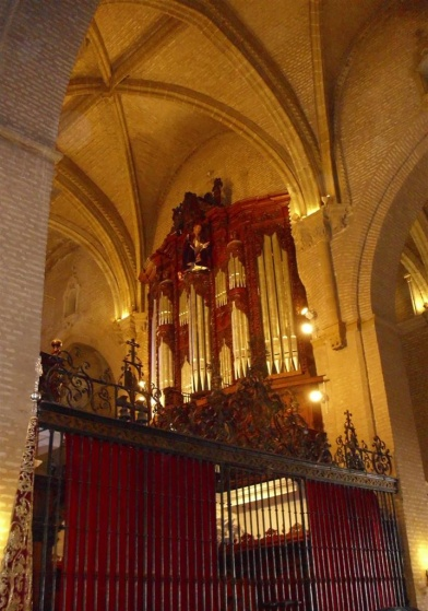 Archivo:Santa Ana Sevilla coro.jpg